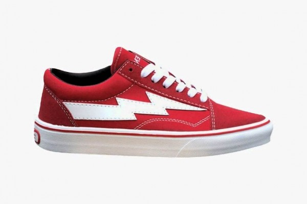 Red synth leather <mark>sneakers</mark> 7.5